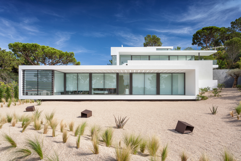 modern-beach-villa-portugal